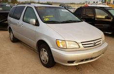 Clean Toyota Sienna 2002 for sale