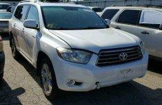 Toyota Highlander White 2012
