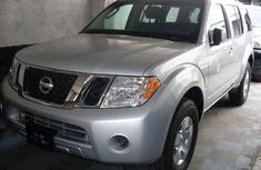 2009 Nissan Pathfinder Se Silver For Sale