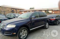 Clean Volkswagen Touareg 2006 Blue for sale