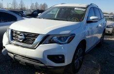 Nissan Pathfinder 2017 white for sale