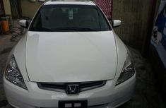 Foreign used Honda accord 2005 white for sale