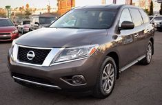 Nissan Pathfinder 2016 grey for sale