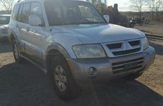 2004 MITSUBISHI MONTERO  White for sale