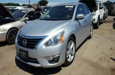 NEAT AND CLEAN NISSAN ALTIMA  2009 MODEL