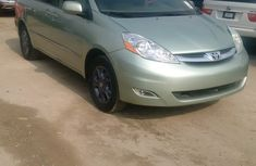 2005 Clean every ones dream Toyota Sienna for sale