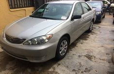 2003 Toyota Camry big for noting