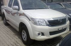2012 LIKE Brand new white Toyota Hilux just arrived now FOR SALE
