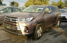 2017 Toyota Highlander Limited Edition Brown For Sale