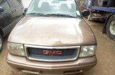 Almost brand new GMC Sonoma Petrol 2003