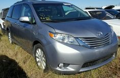 Toyota Sienna 2013 model for sale