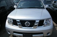 2005 Silver well maintained Nissan Pathfinder for sale