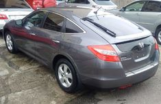 Clean Honda Crosstour 2009 grey for sale