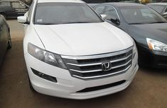 Clean Honda Crosstour 2009 White for sale