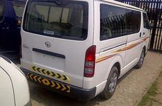 Clean Toyota Hiace bus 2009 White for sale