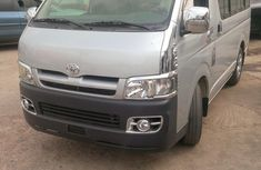 Clean Toyota Hiace bus 2009 Silver for sale