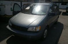 Toyota Sienna 1999 / 2000 Model for sale