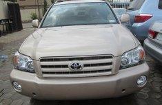 2006 Toyota Highlander gold FOR SALE