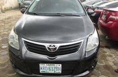 Toyota Avensis 2010 model Grey for sale