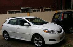 Good used Toyota Matrix 2010 for sale with full option