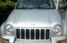 2005 Liberty Jeep silver for sale
