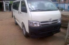 Toyota tokunbo HIAce bus 2002 for sale
