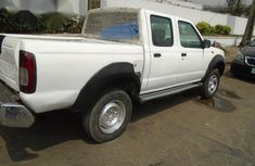 2004 Nissan Frontier White For Sale