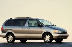 Toyota Sienna 2002 Review: Price in Nigeria, Model, XLE variant, Problems, Owners Manual & More