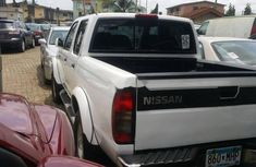 Nissan Frontier 2000 Petrol Automatic White