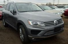 Volkswagen Touarage 2014 Grey for sale