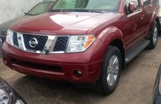 Clean Nissan Pathfinder 2005 red for sale