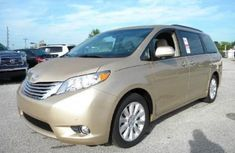 2017 Clean Toyota Sienna for sale