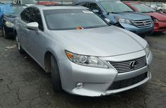 Clean direct tokumbo Lexus ES 250 2012 Silver for Sell.