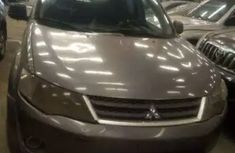 2007 Mitsubishi Outlander Gold for sale