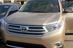 Clean Toyota Highlander 2014 for sale