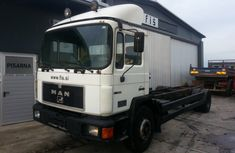 MAN 26.372 1990 in good condition for sale