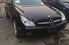 Tokumbo Mercedes Benz CLS550  2006 Black with cool box For sale