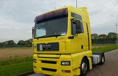 MAN 18 430 - Year - 2005- Very Clean Yellow !!! For sale.