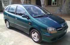 Clean Nissan Almera Tino 2002 Green for sale