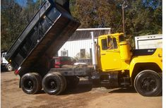 Clean 2005 Yellow Mack Truck for sale