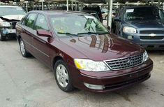Very clean tokunbo Toyota Avalon 2005 red for sale