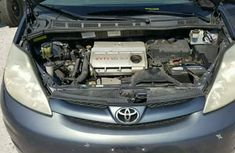 Toyota Sienna 2009 in good condition for sale