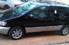 1998 Toyota Sienna for sale black