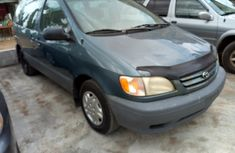 1998 Toyota Sienna for sale with