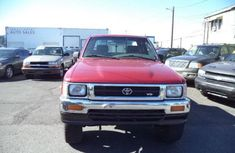 1993 Clean direct tokumbo Toyota 21 pickup deluxe for SALE.