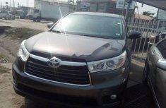 Almost brand new Toyota Highlander Petrol 2014
