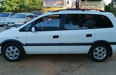 Very clean Opel Zafira 2003 model for sale with full options