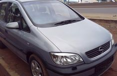 Very neat Opel Zafira 2001 model for sale with full options