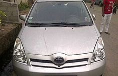 Very clean Toyota Verso 2001 for sale
