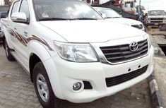 Toyota Hilux 2014 white for sale used